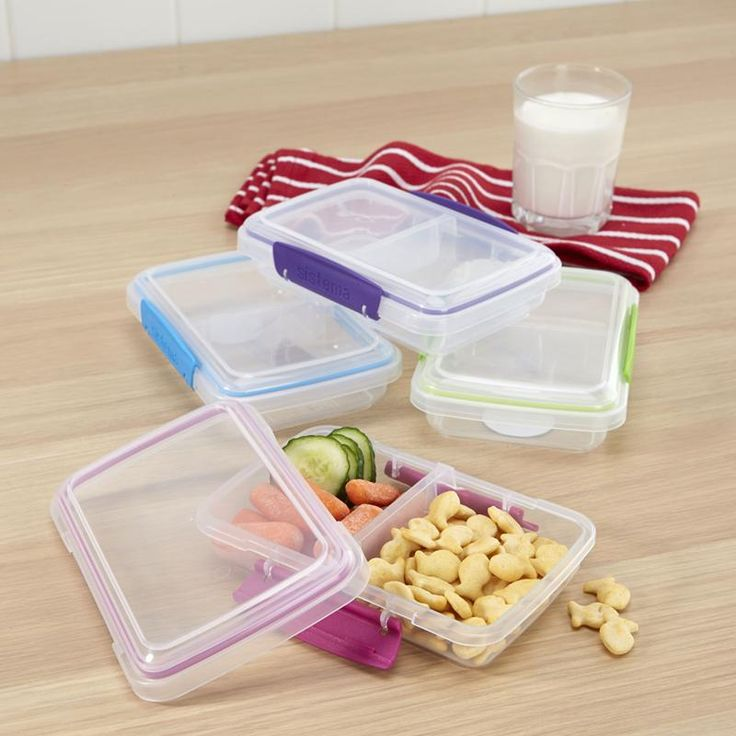 Snack anywhere with a Klip It To Go Mini Split Container. Snap shut lid and split interior compartment is great for keeping snacks handy when you are out and about.