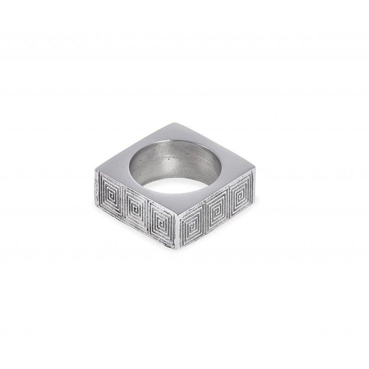 Mell Napkin Ring. Polished metal and embossed pattern.