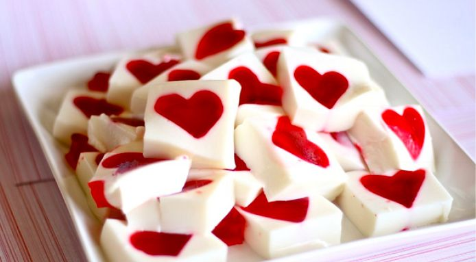 Looking for a romantic Valentine's Day treat? You'll love these sweetheart jelly treats