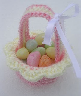 Mini Easter Basket (pattern given)