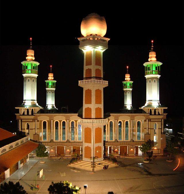 Masjid Luhur NurHassan, Kabupaten Jombang, Jawa Timur, Indonesia
