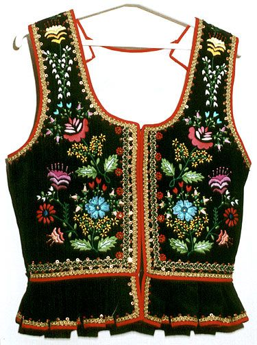 Love the embroidery on the traditional Polish Folk costumes