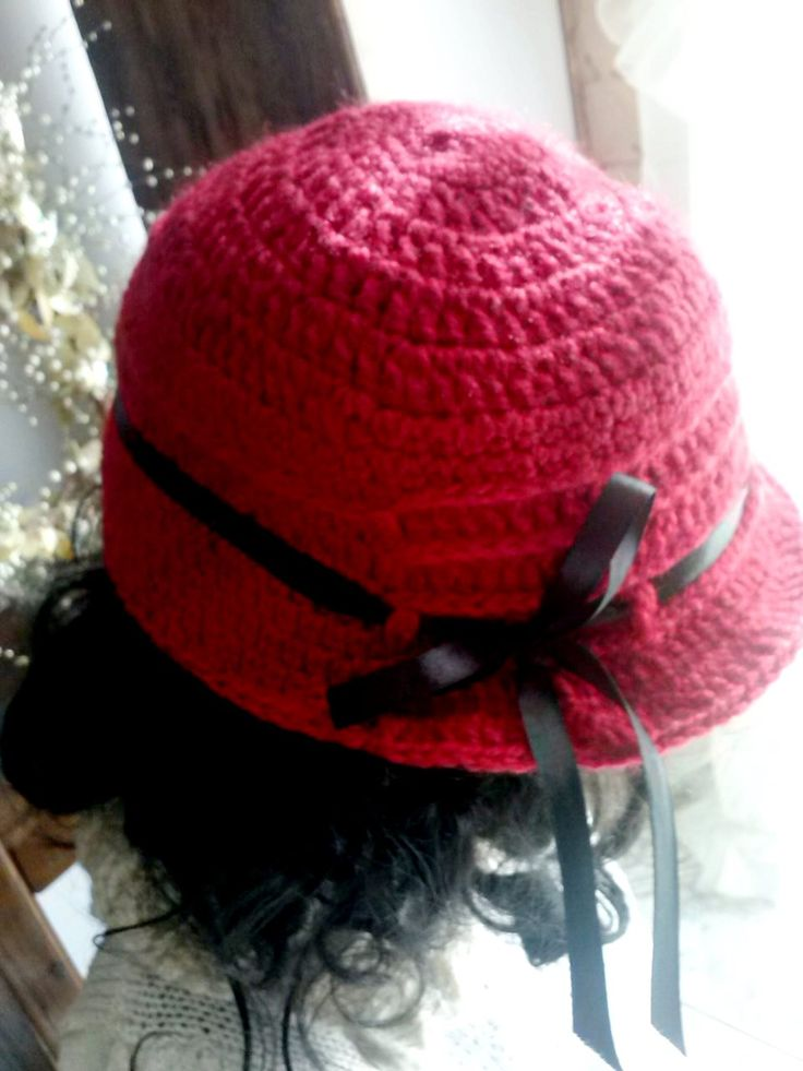 Sombrero tejido a crochet para niña