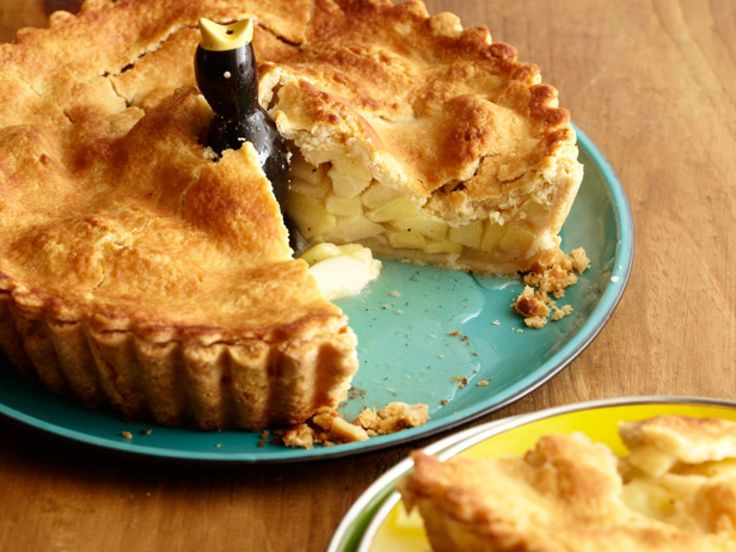 Super Apple Pie recipe from Alton Brown via Food Network. Over 200 4.5-star reviews