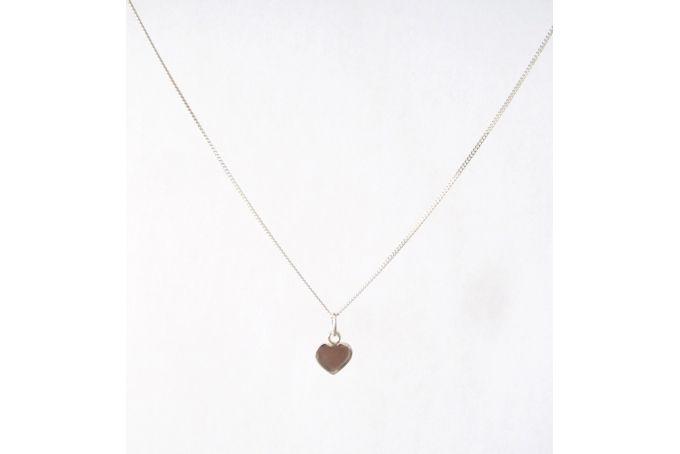 Silver heart on necklace chain by Meraki Jewellery Design