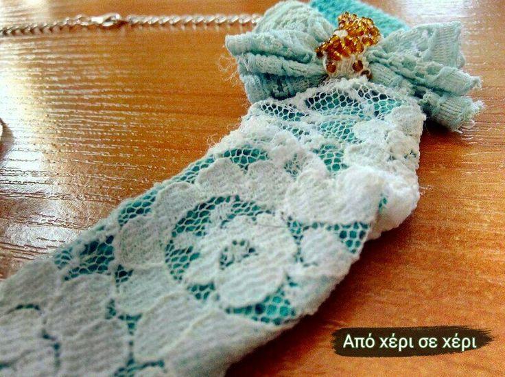 #crochet #crochetjewelry #collar #necklace with #lace and #beads #πλεκτό #κοσμημα #γιακάς #κολιέ με #δαντέλα και #χάντρες #απόχέρισεχέρι