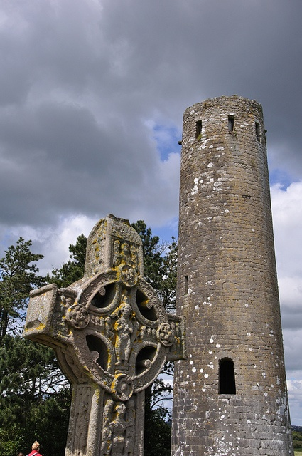 CLONMACNOISE - Fergal O'Rourke's Tower: Clonmacnoi, Favorite Places, Fergal Mac, Towers Image, Cases Image, Fergal O' Rourke, O' Rourke Towers, Orourk Towers, Fergal Orourk