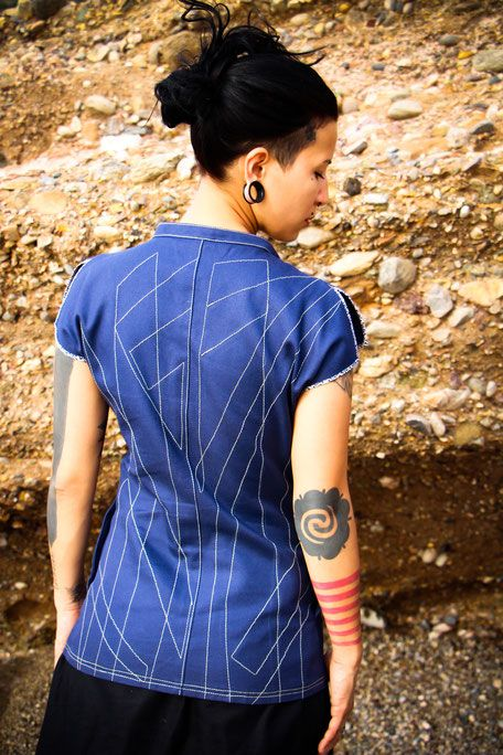 """unconventional stitches on the """"Crazy Blue"""" Shirt, online in several colors available here >> www.mialoebl.com<<  #veganfashion #sustainability #consciousclothing #individualdesigns"""