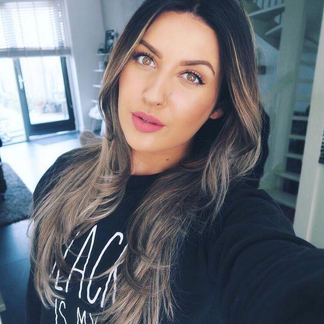 "On the lippies #nyxcosmeticsnl matte lip cream ""Stockholm"" & hair done by @kellyamee @hairstudio_headline"