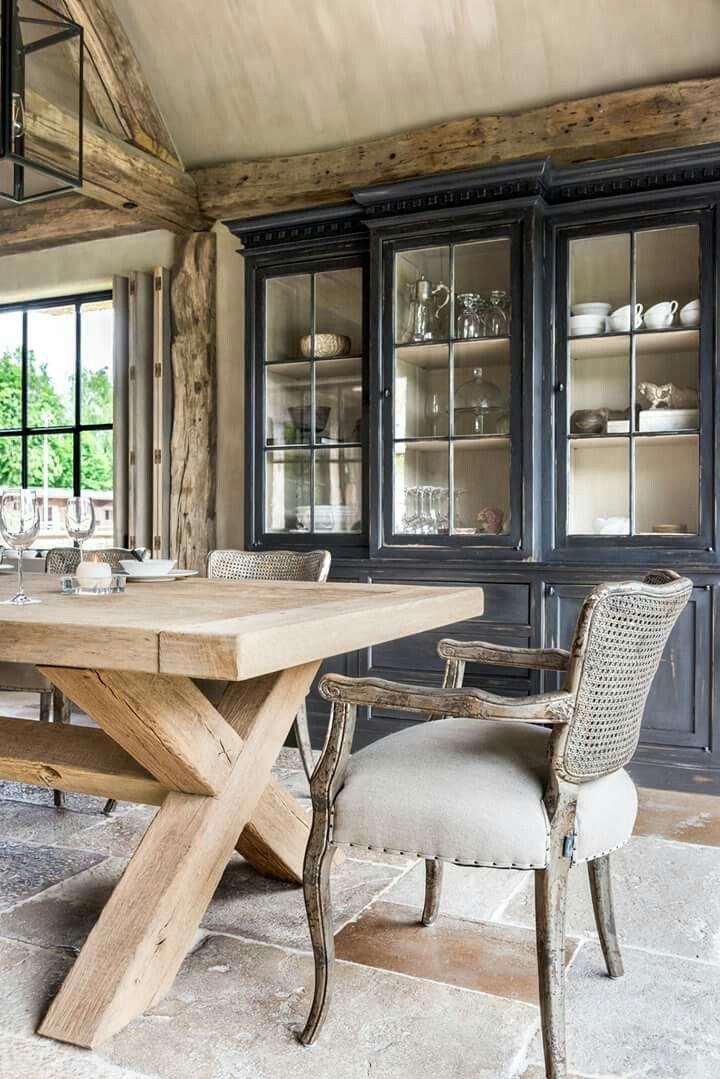 Leuk om onze kast zo te verven: binnenkant wit, buitenkant donkergrijs. Contemporary Farmhouse Dining
