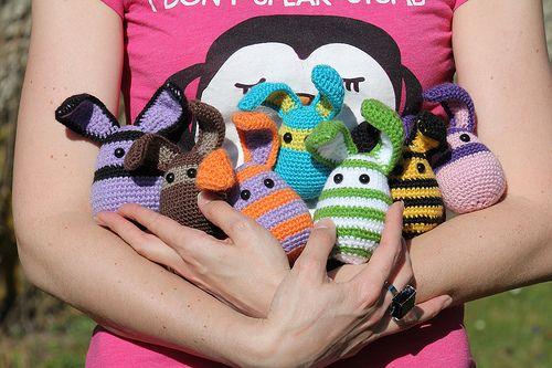 Pour les amoureux du tricot ! Des debutants aux confirmes ... Les tutos c'est ici aussi !!! :)