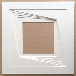 http://www.studiocadres.fr/1864-2157-thickbox/kit-encadrement-30x30-cm-technique-variation-dans-un-carre-negatif.jpg                                                                                                                                                                                 Plus
