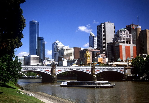 #Vic #Melbourne; Yarra River; Princes Bridge. Check out OzeHols if planning to stay in Melbourne.