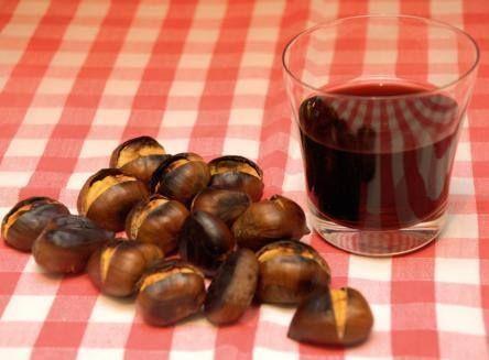 Oggi è il giorno di San Martino. Che ne dite di festeggiarlo insieme a noi con un buon bicchiere di vino novello e castagne? Buon appetito!