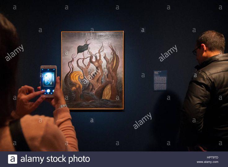 "Press preview of ""Rita Kernn-Larsen, Surrealist paintings"" @GuggenheimPGC  pic @SimonPadovani for @awakeninginfo @alamy"