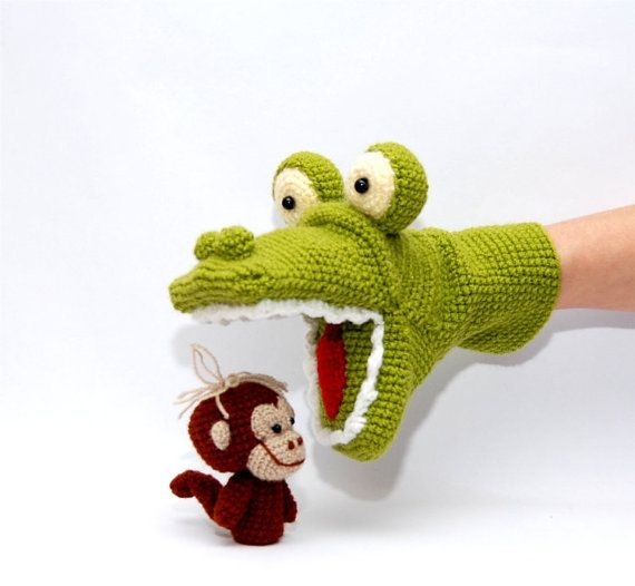 crochet alligator hand puppet and 3 or 5 monkeys by crochAndi