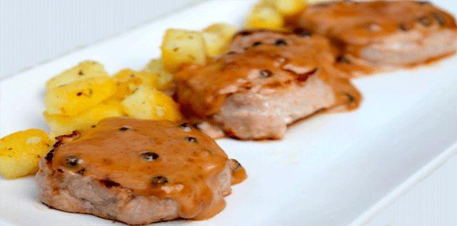 Receta de lomo a la española Disfruta de esta sencilla y deliciosa receta de Lomo o solomillo de vaca, ternera o cerdo a la española muy fácil de preparar.