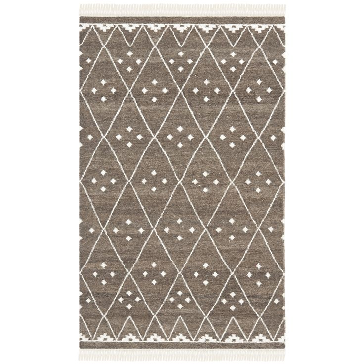 Safavieh's Natural Kilim collection is inspired by timeless traditional designs crafted with the softest wool available.