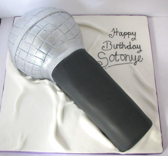 Microphone Cake Pops