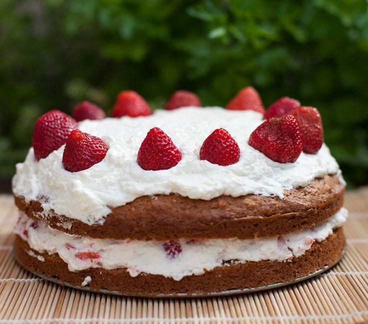 Strawberry-Banana cake.Ciasto bananowe z truskawkami.