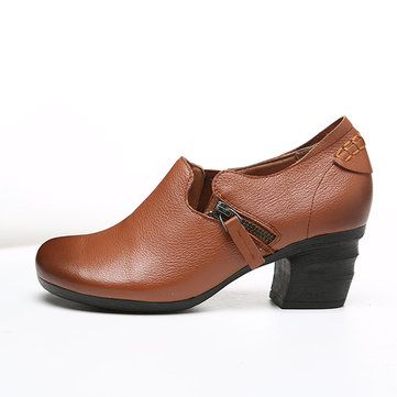 SOCOFY Retro Handmade Leather Pure Color Mid Heel Shoes