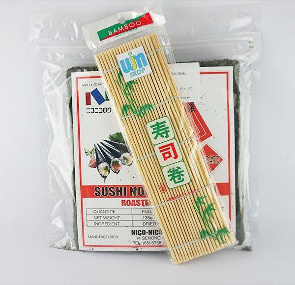Paket Rumput Laut dan tikar bambu Beli Paket Lebih Praktis isi paket Nigu: - 1 Nico Nori @50 lembar - 1 Gulungan Sushi/ Sushi Mat (24cm x 24cm)