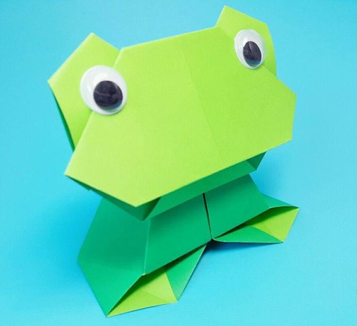 안녕하세요? 오늘은 앉아서 노래하는 개구리 접는 방법을 소개해 보도록 하겠습니다. 완성된 모습은 사진과...