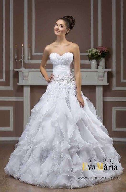 Svadobné šaty pre nevesty s malými prsiami