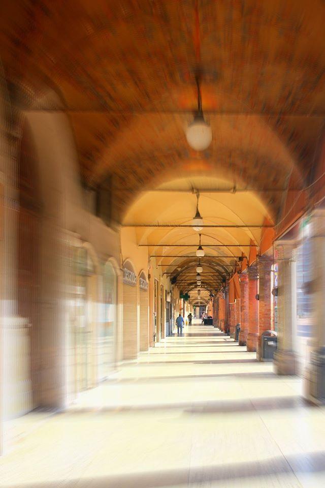 Portico di Piazza Martiri [ foto Barbara Sabbadini ]