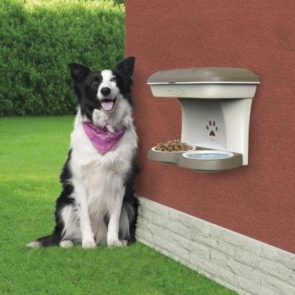 Food Stand è un kit di ciotole che pensa alla corretta postura dei cani di taglia medio-grande. Il vano porta oggetti superiore consente di riporre tutto l'occorrente ma anche di riparare il cibo dalla pioggia. #bamagroup #bamapet #contenitore #pet #croccantini #acqua