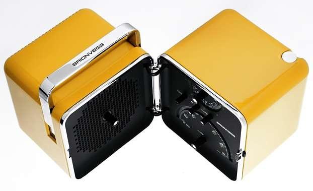 """E' un pezzo cult del design contemporaneo la  radio TS502 di Brionvega (comunemente nota come """"Cubo"""") prodotta nel 1965.  http://www.leonardo.tv/storia-del-design/design-anni-60-icone/radio-brionvega-cubo"""