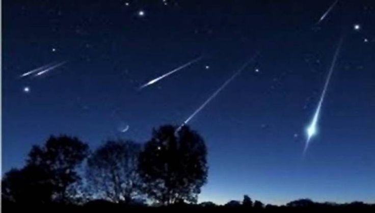 Στον ουρανό του βόρειου ημισφαιρίου, όπου ανήκει και η Ελλάδα, εμφανίστηκαν οι Λυρίδες. Οι πτώσεις των συγκεκριμένων διαττόντων αστέρων θα αποκορυφωθούν το βράδυ της Τετάρτης 22 Απριλίου και τα χαράματα της Πέμπτης 23 Απριλίου, ενώ θα είναι ορατές έως τ