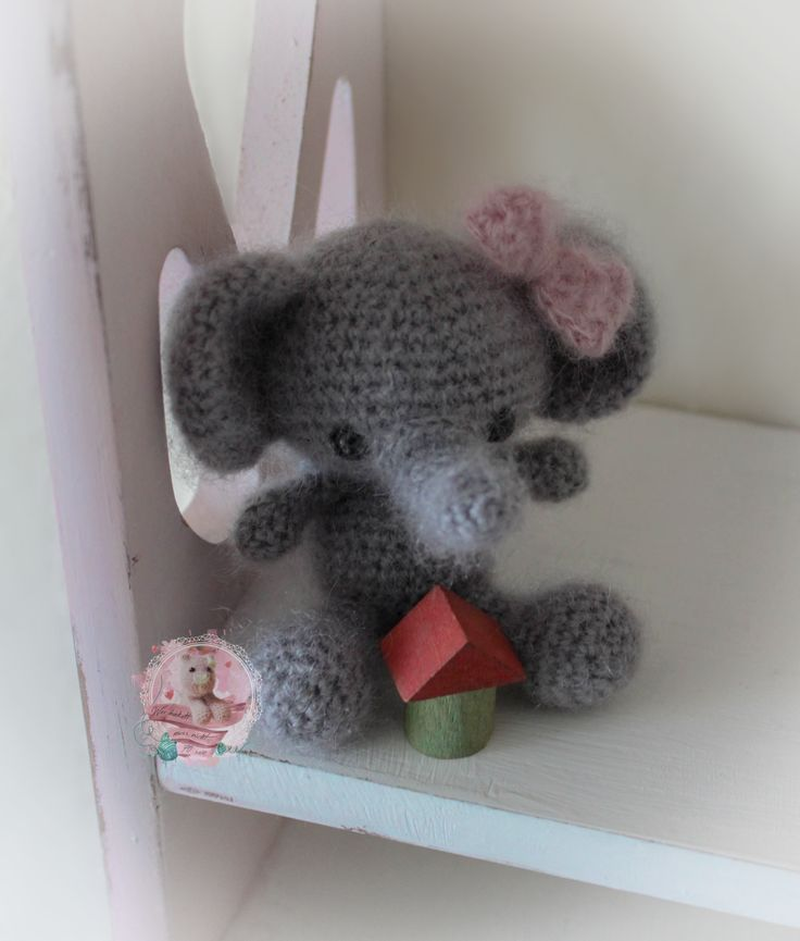 Gehäkelter Elefant aus Mohair & Seide / Crochet Elefant  Pattern by Theresascrochetshop
