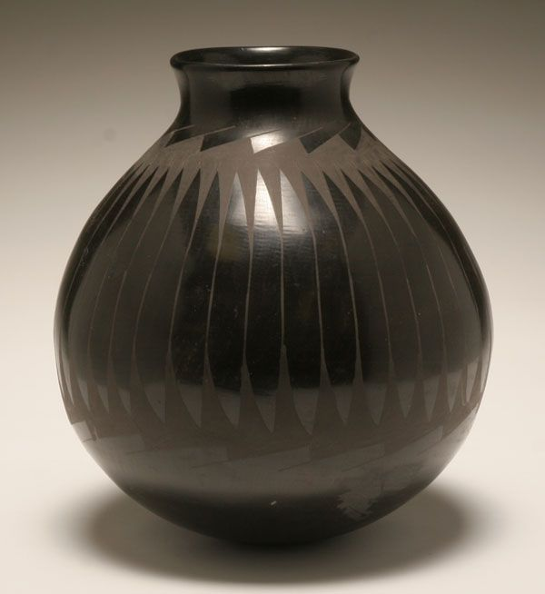 Large Luis Ortiz Native American Indian black pottery olla.