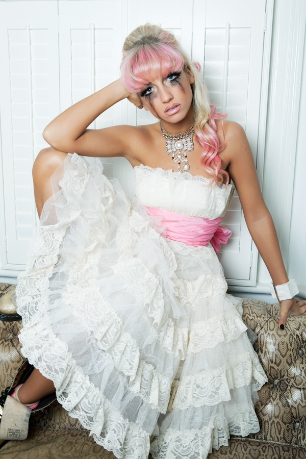 OH MY THAT DRESS!    Runaway-Bride-AnnCharlotte-Photography-®2012-1