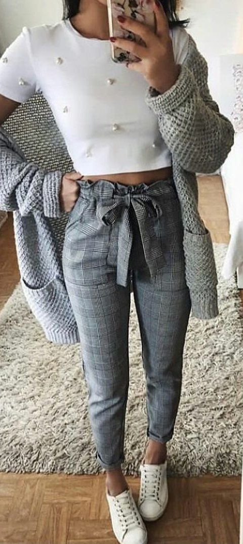 #spring #outfits white crop top and plaid jogger pants with cardigan outfit. Pic by @zara__streetstyle