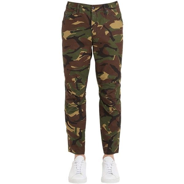 G-star By Pharrell Williams Men 5622 Elwood Woodland Camouflage Jeans ($112) ❤ liked on Polyvore featuring men's fashion, men's clothing, men's jeans, army camo, mens camouflage jeans, mens camo jeans, mens button fly jeans and mens jeans