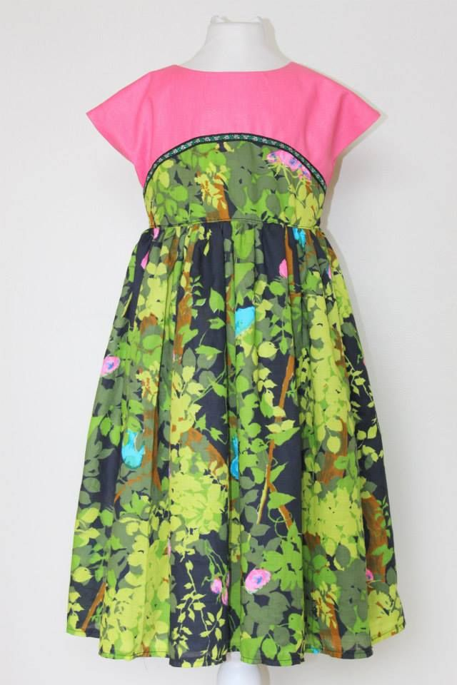 1950's style colour block dress. Floral vinatge fabric