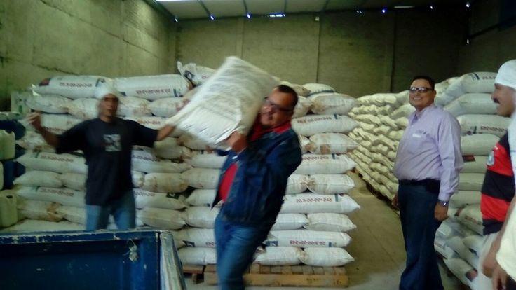 Se beneficiará a 280 productores quienes tienen cultivos en más de 800 hectáreas, informa el delegado Germán Ávila Ávila – La Piedad, Michoacán, 19 de julio de 2017.- Productores de ...