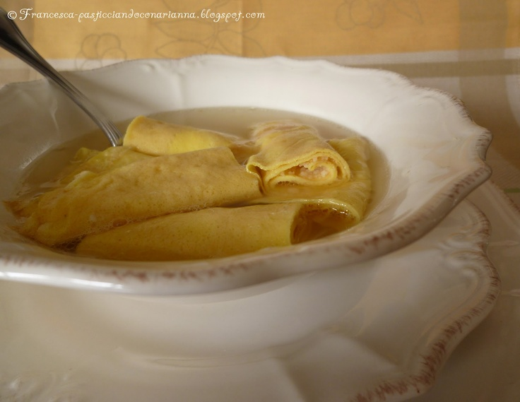 "crespelle in brodo.  Crespelle ""in broth"". From Abruzzo: Hams Left, Italian Recipes, Broth, M Buss Crepes, Kidney Beans, Italian Cucina, Gina Italian, Italian Crepes Soups, Beans Soups"