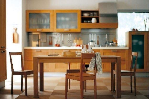 Cucina in ciliegio - Modello in impiallacciato ciliegio naturale, un must have dell'arredamento della cucina classica