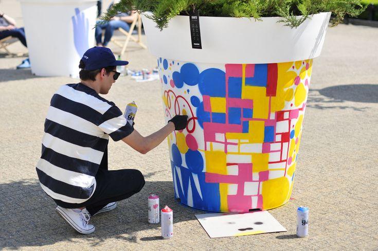 Pomysł na miejską integrację: wielkie donice | Nunoni | poznań design days | public space with large flower pots gianto