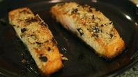 How to Broil Salmon in the Oven | eHow