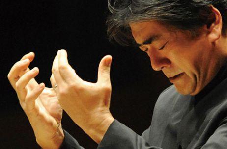E' stato assistente di #Bernstein e di #Ozawa e la critica lo ha definito quale uno dei più intensi e carismatici direttori d'orchestra contemporanei.  Il giapponese #YutakaSado, recentemente nominato direttore musicale della #TonkünstlerOrchesterNiederösterreich a partire dalla Stagione 2015/16, dirigerà l'Orchestra del #SanCarlo nel weekend del 15 e 16 febbraio su musiche di #Dvořák e #Brahms. Al violino, #DavidGarrett.