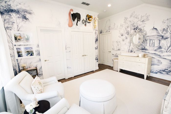 Fun tips and decorating trends from Dallas Interior Designer, Amy Berry, as she reveals her baby nursery on Venzedits.com. See her nursery here!