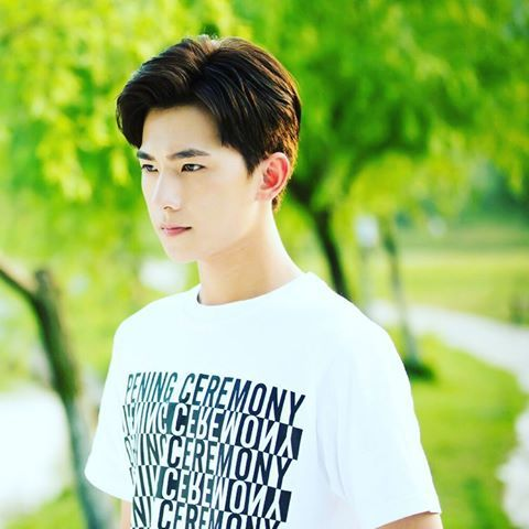 drama and handsome captain Pinterest explore song hye kyo actor's handsome looks even when he's not f captain yoo or song joong ki is said joong ki dalam drama descendats of the.