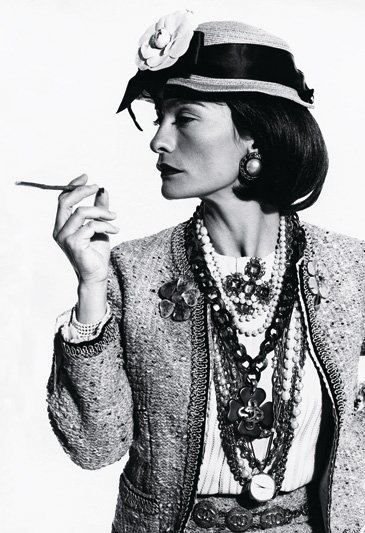 Coco Chanel, a fashion genius ... a courageous woman, who faced criticism at a time that the woman was very discriminated at work.