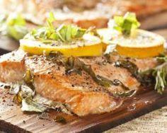 Papillote de saumon au citron et aux herbes Croq'Kilos : http://www.fourchette-et-bikini.fr/recettes/recettes-minceur/papillote-de-saumon-au-citron-et-aux-herbes-croqkilos.html