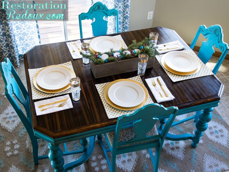 Chalkpainted Turquoise Vintage Dining Table