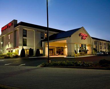 Hampton Inn Atlanta/Newnan Hotel, GA - Hotel at Night